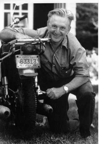 photo of Robert (Bob) Pirsig taken around the times when wrote Zen and the Art of Motorcycle Maintenance